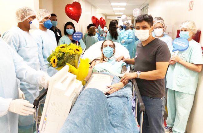 Paciente da UTI Domed, no HFA, em Brasília, tem alta após parada cardíaca causada por Covid-19